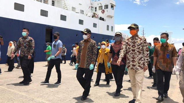 Gubernur Sulsel Tinjau Pelabuhan Nusantara Parepare