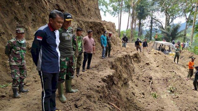 Gubernur Sulsel Tinjau Jalan Pintas Soppeng-Barru