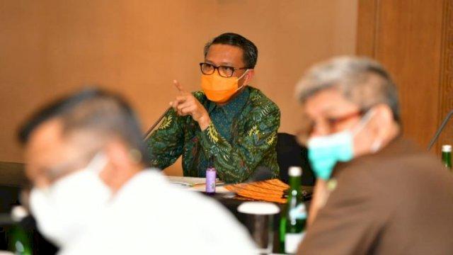 Gubernur Sulsel Minta Maaf Atas Sikap Satpol PP Saat Menegakkan Aturan PSBB di Kota Makassar.