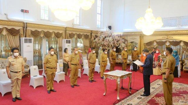 Gubernur Sulsel Kukuhkan Tujuh Penjabat Sementara Bupati