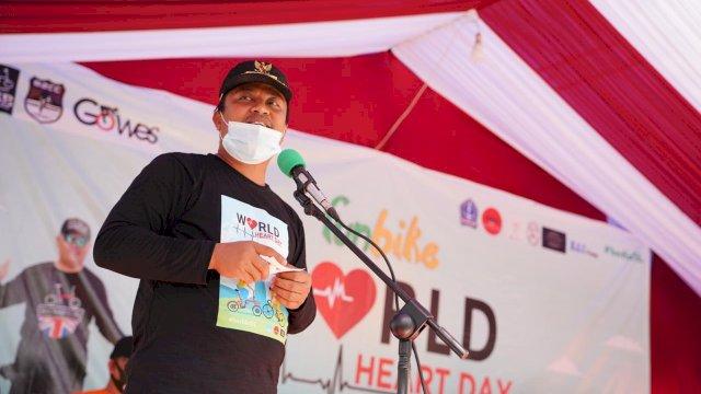 Di Acara Fun Bike World Heart Day, Wagub Sulsel Bagi-Bagi Hadiah