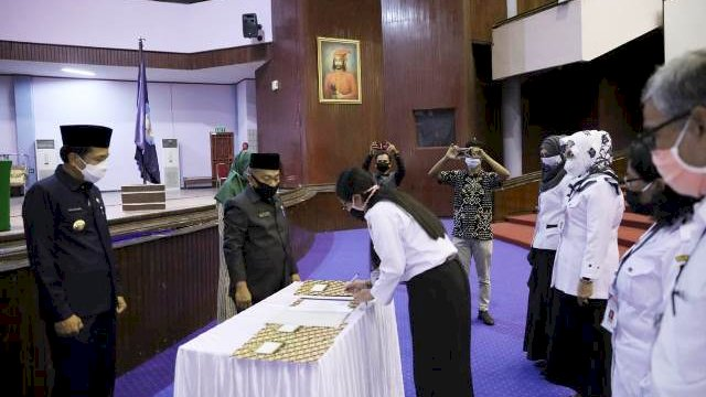 Lantik Kepala UPT Pendidikan Formal Se-Kota Makassar, Pj Wali Kota Minta Jaga Netralitas