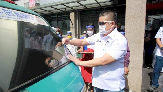 Canangkan Gerakan Angkot Bebas Covid-19, Appi-Rahman Semprot Disinfektan Petepete