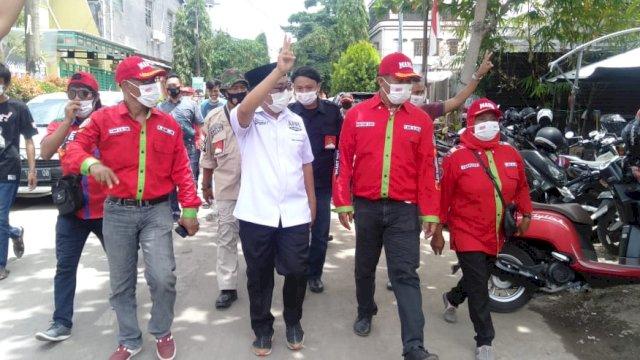 Blusukan, Rahman Bando Jalan Kaki Keluar Masuk Lorong