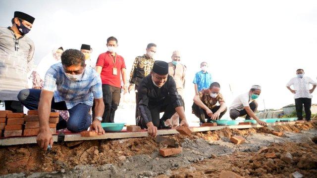 Wagub Sulsel Letakkan Batu Pertama Masjid Victoria Park Royal Sentraland BTP