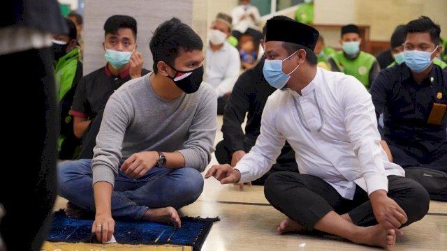 Hadir Shalat Subuh Bersama Gojek, Wagub Sulsel Ingatkan Driver Mengejar Keberkahan Rezeki.
