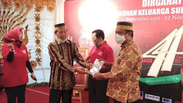 Bernuansa Bugis, Wagub Sulsel Hadiri Puncak Acara 44 Tahun KKSS di Jakarta