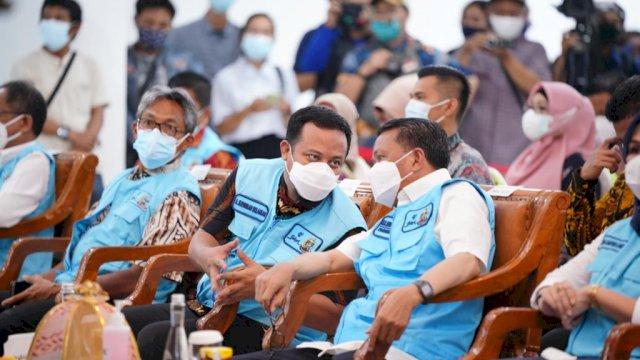 Nurdin Abdullah – Andi Sudirman Launching Pelaksanaan Vaksinasi Covid-19 di Sulsel