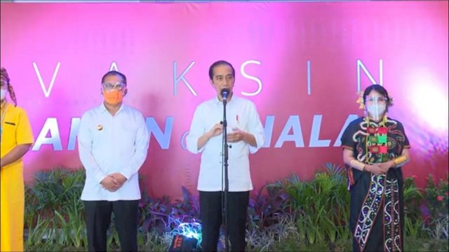 Jokowi Harap Ada Uji Coba Sekolah Tatap Muka di Makassar Usai Guru Divaksinasi