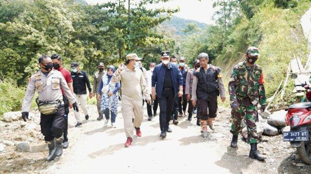 Kunjungi Luwu, Plt Gubernur Buka Jalan Terisolir di Kadundung-Latimojong