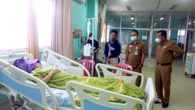 Bantu Pasien Kesulitan Biaya di RS Lasinrang Pinrang, Dinkes dan Dinsos Sulsel Dapat Apresiasi dari Plt. Gubernur