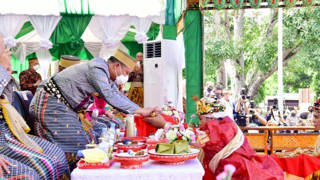 Prosesi Mattompang Arajang, Plt Gubernur Sulsel : Pembangunan yang Kami Lakukan Berbasis Kebutuhan Masyarakat
