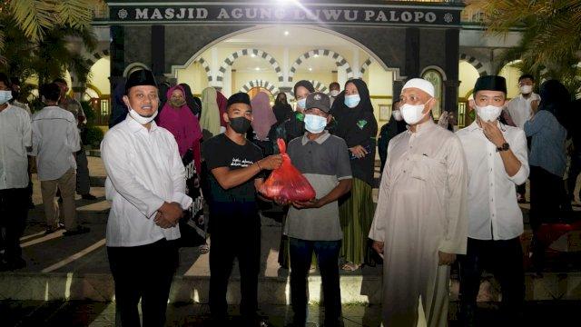 Plt Gubernur Sulsel Ramadan Berbagi bersama Mahasiswa di Palopo