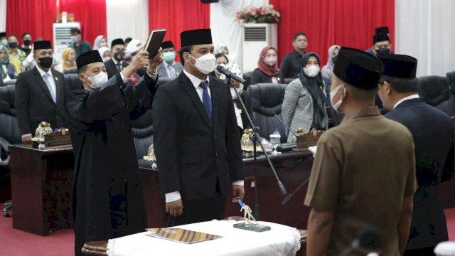 Syukran Kahfi Ucap Sumpah PAW Anggota DPRD Makassar