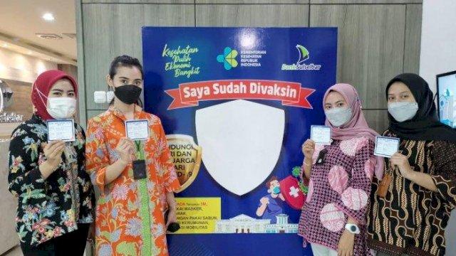 350 Karyawan Bank Sulselbar Divaksinasi Tahap Pertama