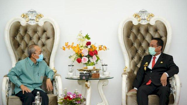 Plt Gubernur Sulsel Andi Sudirman Sulaiman dan Inspektur Utama BPS Sulsel, Akhmad Jaelani.