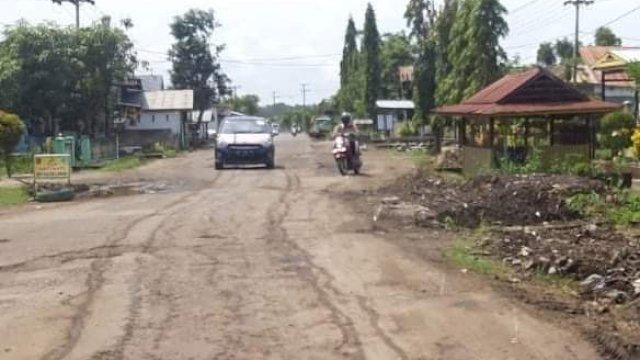 Kondisi Jalan Cabenge, Kecamatan Lilirilau, Kabupaten Soppeng