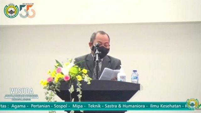 Asisten Administrasi Pemprov Sulsel, Tautoto Tanaranggina, menghadiri langsung Wisuda dan Dies Natalis ke-55 Universitas Islam Makassar (UIM), di Gedung Auditorium DR KH Muhyiddin Zain UIM, Sabtu, 5 Juni 2021.