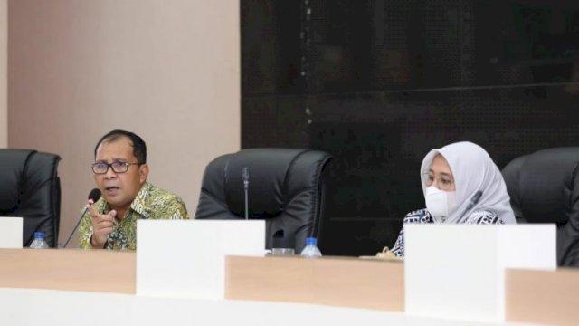 Wali Kota Makassar Danny Pomanto didampingi Wakil Wali Kota Fatmawati Rusdi dalam Rapat Koordinasi membahas RPJMD bersama OPD di Ruang Sipakatau, Kamis 10 Juni 2021.