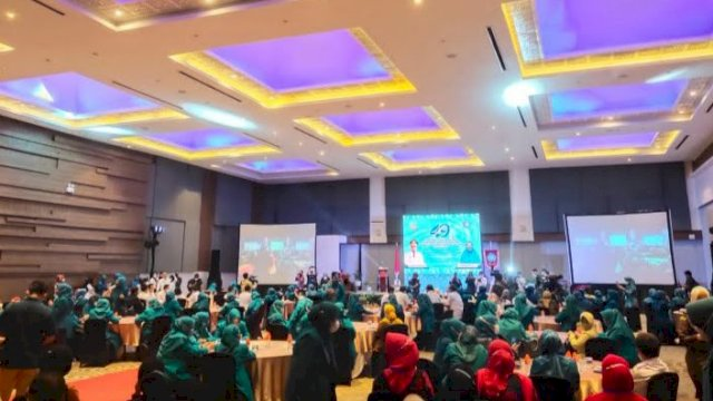 Peringatan Hari Kesatuan Gerak sekaligus mengadakan Rapat Kerja Daerah (Rakerda) PKK Sulawesi Selatan di Hotel Four Point, Rabu 2 Juni 2021.