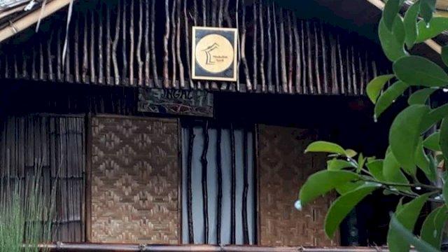 Rumah Kecil sebutan nama dari cafe yang berkonsep ala pedesaan di tengah Kota Makassar (Foto: Instagram)