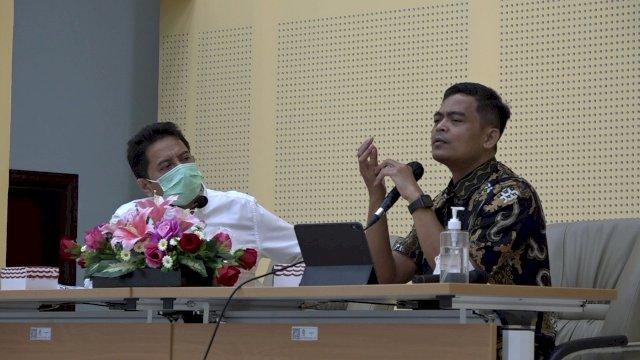 Rektor UIN Alauddin Makassar, Prof Hamdan Juhannis dan Staf Khusus Menteri Agama, Mohammad Nuruzzaman (Foto: Ist)