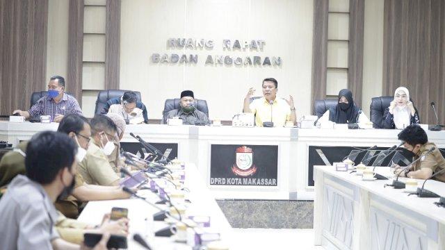 Komisi D DPRD Makassar menggelar rapat kerja Jelang Penerimaan Peserta Didik Baru (PPDB) Tahun Ajaran 2021 bersama Dinas terkait, Senin, 14 Juni 2021 di ruang Rapat Badan Anggaran DPRD Makassar.