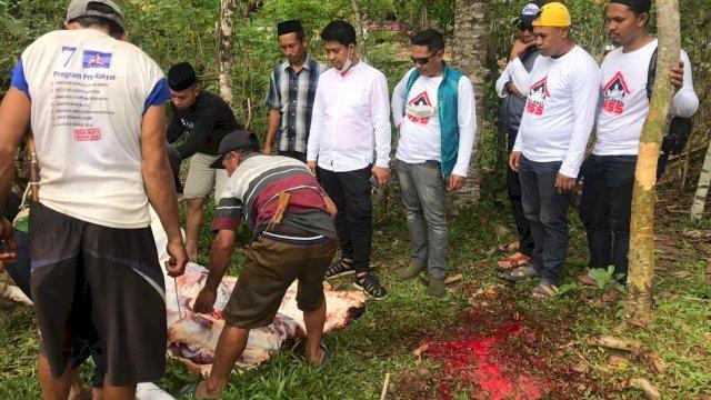Penyembelihan hewan kurban di Kabupaten Gowa dari Plt Gubernur Sulsel, Andi Sudirman Sulaiman