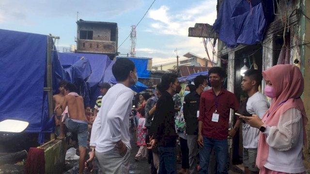 DPP Kesatuan Pemuda Indonesia (KPI) menyambangi korban kebakaran kompleks Lepping yang ada di Kelurahan Jongaya, Kecamatan Tamalate, Malassar, Rabu, 25 agustus 2021.