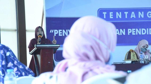 Anggota DPRD Makassar Fatma Wahyuddin sosialisasi peraturan daerah (Perda) nomor 1 tahun 2019 tentang penyelenggaraan pendidikan di Hotel Aston Makassar, Sabtu, 28 Agustus 2021.