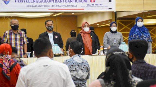Anggota DPRD Kota Makassar, Hj Kartini menggelar sosialisasi peraturan daerah (Perda) nomor 7 tahun 2015 tentang penyelenggaraan bantuan hukum di Hotel Pessona, Minggu, 29 Agustus 2021.