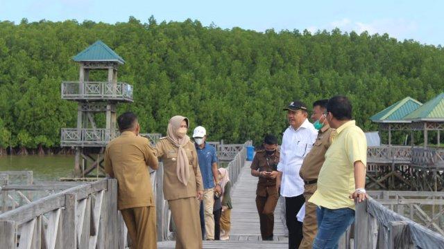 Wakil Bupati Sinjai, Hj Andi Kartini Ottong MSP menyatakan Pemerintah Kabupaten Sinjai sangat terbuka dan membuka ruang bagi investor yang ingin berinvestasi di Kabupaten Sinjai.