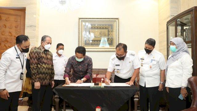 Rektor UIN Alauddin dan Walikota Makassar Teken Kerja Sama Pemberdayaan Masyarakat