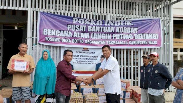 Roemah Djoeang AIA dan DPC Gerindra Bantu Seng-Sembako Korban Puting Beliung di Wajo