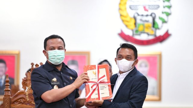 Pengajuan Nota Keuangan dan Rancangan Peraturan Daerah (Ranperda) Provinsi Sulawesi Selatan tentang Perubahan Anggaran Pendapatan dan Belanja Daerah (APBD) Tahun Anggaran 2021, Rabu, 8 September 2021.