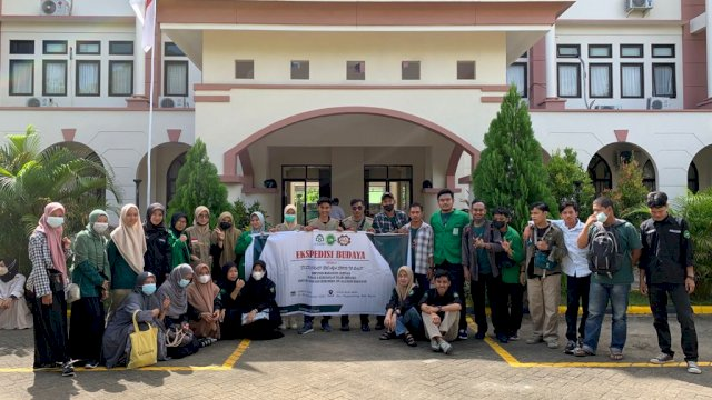 Himpunan Mahasiswa Jurusan (HMJ) Sejarah Kebudayaan Islam (SKI) Fakultas Adab dan Humaniora (FAH) UIN Alauddin Makassar mengadakan ekspedisi budaya.