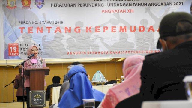 Anggota DPRD Kota Makassar, Budi Hastuti saat menggelar sosialisasi peraturan daerah (Perda) nomor 6 tahun 2019 tentang Kepemudaan di Hotel Pessona, Minggu, 19 September 2021.