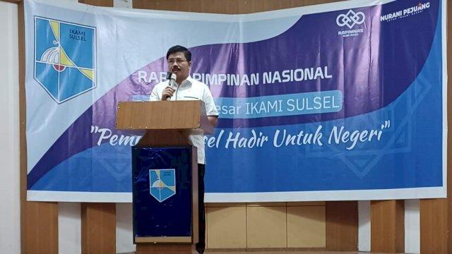 Anggota Komisi V DPR RI Muhammad Aras membuka acara Rapat Pimpinan Nasonal (Rapimnas) Pengurus Besar (PB) Pelajar/Mahasiswa Indonesia Sulawesi Selatan (IKAMI) Sulsel tahun 2021 di Hotel Macca, Kamis, 23 September 2021.