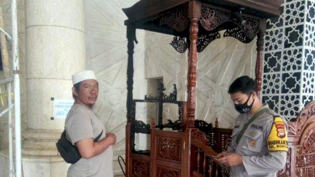 Mimbar Masjid Raya Makassar dibakar oleh OTK