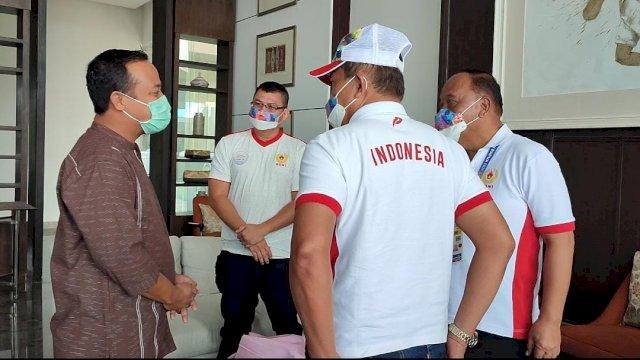 Andi Sudirman Sulaiman saat bertemu dengan Ketua KONI.