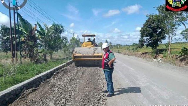 Perbaikan ruas jalan Anabanua-Sidrap.