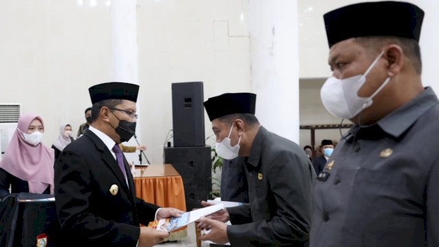 Wali Kota Makassar Danny Pomanto lantik 40 pejabat baru di Baruga Anging Mammiri Rujab Walikota Makassar, Kamis, 7 Oktober 2021.