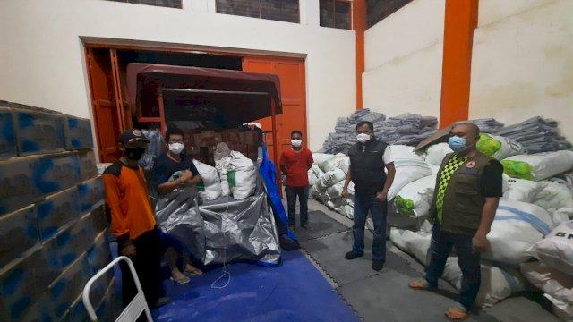 Bantuan logistik untuk korban banjir dan longsor di Luwu